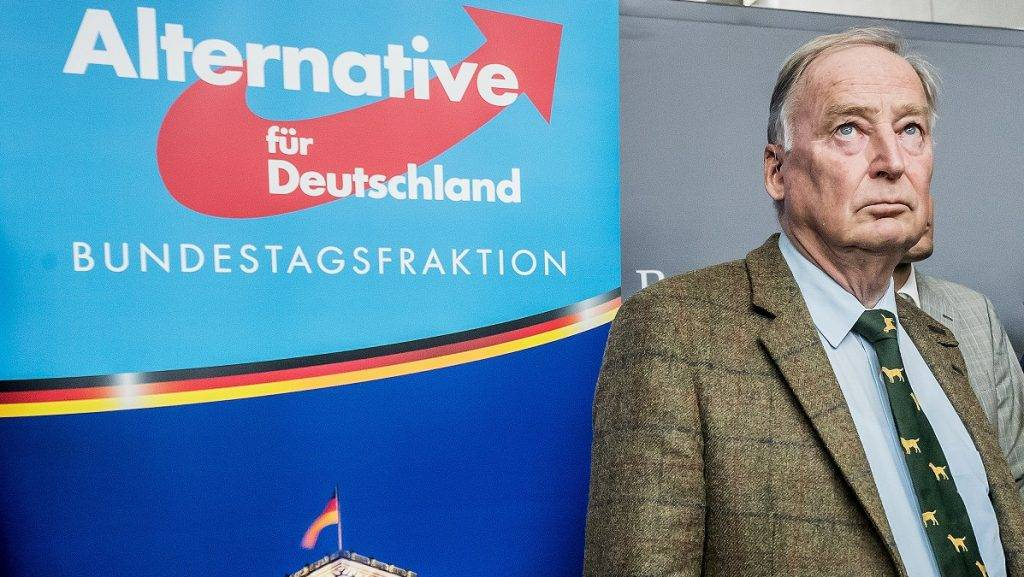 dpatop - Alexander Gauland, speaks to reporters before the beginning of the first faction meeting of the Alternative fuer Deutschland (AfD) parliamentary group at the Bundestag in Berlin, Germany, 26 September 2017. Recrop. Photo: Michael Kappeler/dpa