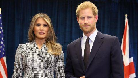 TORONTO, ON - SEPTEMBER 23: Prince Harry meets U.S. first lady Melania Trump for the first time as she leads the USA team delegation ahead of the Invictus Games 2017 on September 23, 2017 in Toronto, Canada   Chris Jackson/Getty Images for the Invictus Games Foundation /AFP