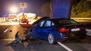 A badly crashed car can be seen after a deadly traffic accident involvong a wrong-way driver at the motorway junction on the A67 headed northwards near Ruesselsheim, Germany, 23 September 2017. The truck was driving the wrong way around and collided with two cars coming towards him. The first three people in the car passed away, while four people of the second vehicle were mildly injured. The greviously injured truck driver had to be treated in an emergency operation. Photo: Sebastian Stenzel/Wiesbaden112.de/dpa