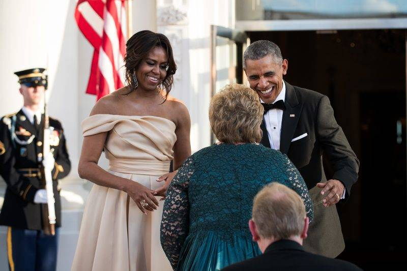 WASHINGTON, DC - MAY 13: First Lady Michelle Obama and U.S. President Barack Obama greet Prime Minister of Norway Erna Solberg as she arrives for the Nordic state dinner at the North Portico at the White House, May 13, 2016, in Washington, DC. Leaders from Denmark, Norway, Finland, Sweden, and Iceland were invited to the White House for the U.S.-Nordic leaders summit. (Photo by Drew Angerer/Getty Images)