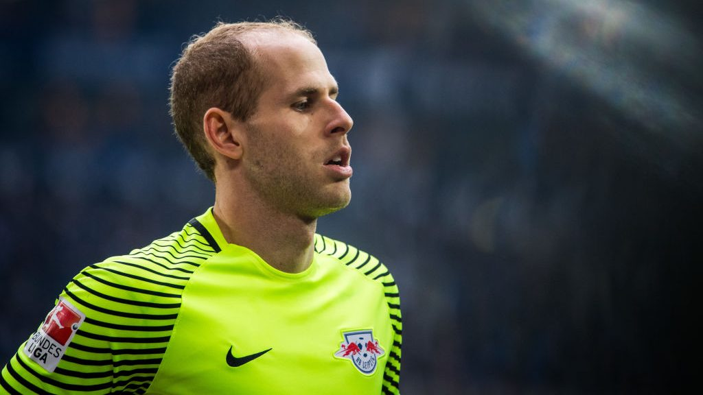 GELSENKIRCHEN, GERMANY - APRIL 23: Goalkeeper Peter Gulacsi of Leipzig is seen during the Bundesliga match between FC Schalke 04 and RB Leipzig at Veltins-Arena on April 23, 2017 in Gelsenkirchen, Germany. (Photo by Lukas Schulze/Getty Images)