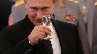 MOSCOW, RUSSIA  - JUNE 28:  (RUSSIA OUT)  Russian President, Vladimir Putin makes a toast during a repection for graduates of the military universities and institutes at the Kremlin on June 28, 2017 in Moscow, Russia.  (Photo by Mikhail Svetlov/Getty Images)