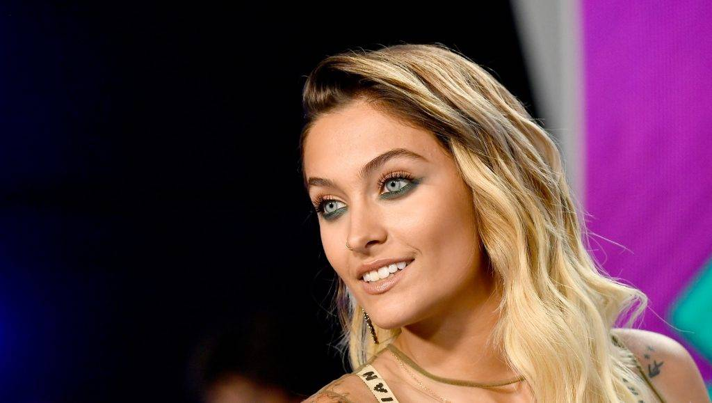 INGLEWOOD, CA - AUGUST 27:  Paris Jackson attends the 2017 MTV Video Music Awards at The Forum on August 27, 2017 in Inglewood, California.  (Photo by Frazer Harrison/Getty Images)