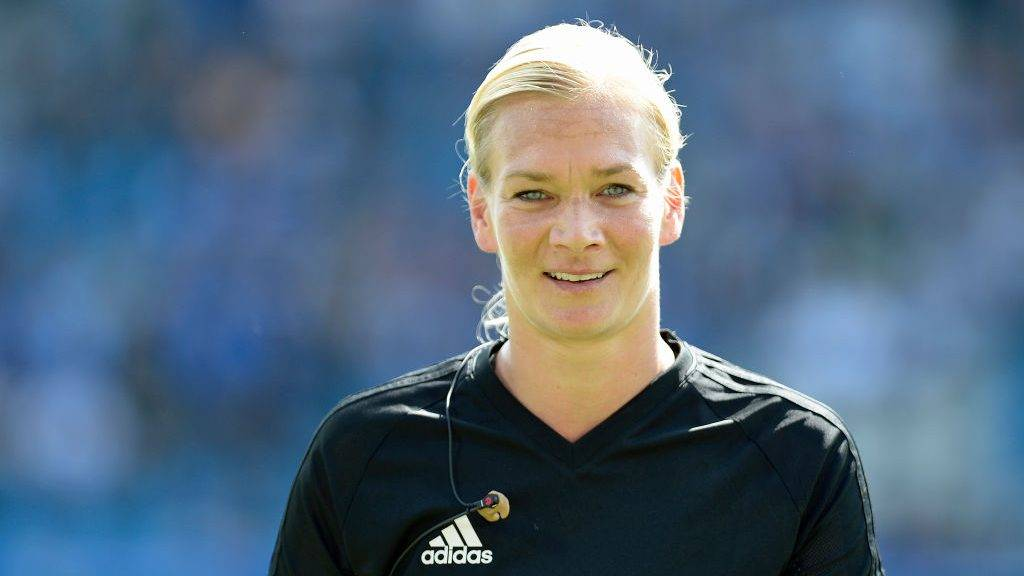 BOCHUM, GERMANY - AUGUST 27: Bibiana Steinhaus looks on during the Second Bundesliga match between VfL Bochum 1848 and SG Dynamo Dresden at Vonovia Ruhrstadion on August 27, 2017 in Bochum, Germany. (Photo by TF-Images/TF-Images via Getty Images)