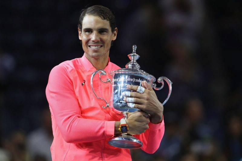 NEW YORK, NY - SEPTEMBER 10:  Rafael Nadal of Spain poses with the championship trophy during the trophy ceremony after their Men's Singles Finals match on Day Fourteen of the 2017 US Open at the USTA Billie Jean King National Tennis Center on September 10, 2017 in the Flushing neighborhood of the Queens borough of New York City. Rafael Nadal defeated Kevin Anderson in the third set with a score of 6-3, 6-3, 6-4.  (Photo by Matthew Stockman/Getty Images)
