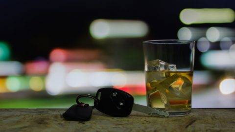 Drinking alcohol on driving ability declines
