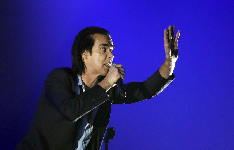 LONDON, ENGLAND - SEPTEMBER 30: Nick Cave performs live on stage with The Bad Seeds at The O2 Arena on September 30, 2017 in London, England. (Photo by Chiaki Nozu/WireImage)