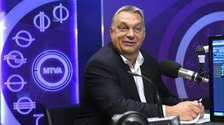 Budapest, 2017. szeptember 22. Orbán Viktor miniszterelnök a Kossuth Rádió stúdiójában, ahol interjút adott a 180 perc címû mûsorban 2017. szeptember 22-én MTI Fotó: Kovács Tamás