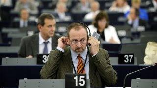 Strasbourg, 2014. július 15.Szájer József EP-képviselő, a néppárti frakció alelnöke (j) az Európai Parlament (EP) tisztújító ülésén Strasbourgban 2014. július 15-én.MTI Fotó: Beliczay László