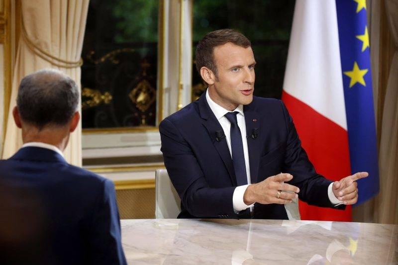 Párizs, 2017. október 16. Emmanuel Macron francia elnök televíziós interjút ad a párizsi államfõi rezidencián, az Elysée-palotában 2017. október 15-én. (MTI/EPA/Reuters pool/Philippe Wojazer)