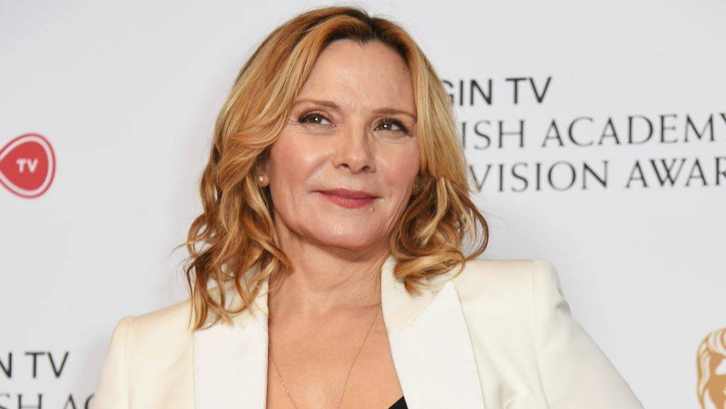 LONDON, ENGLAND - MAY 14:  Kim Cattrall poses in the Winner's room at the Virgin TV BAFTA Television Awards at The Royal Festival Hall on May 14, 2017 in London, England.  (Photo by David M Benett/Dave Benett/Getty Images)