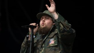 Rory Graham, known as Rag'n'Bone Man, performs on the Other Stage at the Glastonbury Festival of Music and Performing Arts on Worthy Farm near the village of Pilton in Somerset, South West England, on June 25, 2017. / AFP PHOTO / OLI SCARFF