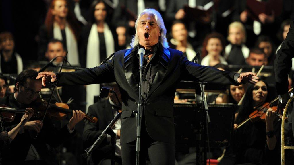 Russian baritone Dmitri Hvorostovsky performs in the Ohrid Antic theatre during the opening of the Ohrid Summer Festival in Ohrid late on July 12, 2013. AFP PHOTO / ROBERT ATANASOVSKI / AFP PHOTO / ROBERT ATANASOVSKI