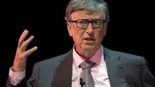 (FILES) This file photo taken on October 26, 2016 shows US philanthropist Bill Gates, of the Bill & Melinda Gates Foundation speaking at the Grand Challenges Annual Meeting 2016 in central London. Microsoft co-founder Bill Gates announced on November 13, 2017 that he is investing $50 million to fund research into treatment for Alzheimer's disease. Gates, in an entry on his blog, said he was making the investment from his personal fortune and not with his charitable Bill & Melinda Gates Foundation. / AFP PHOTO / JUSTIN TALLIS