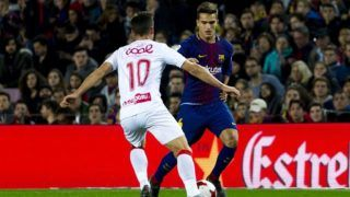 BARCELONA, SPAIN - NOVEMBER 29: Barcelona's midfielder Denis Suarez (R) in action against Murcia's midfielder Llorente (10) during the Spanish Copa del Rey (Spanish King's Cup) football match between FC Barcelona and Murcia CF at the Camp Nou Stadium in Barcelona, Spain on November 29, 2017. Lola Bou / Anadolu Agency