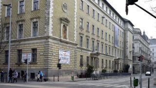 Budapest, 2017. február 19.A Szemere Bertalan Általános Iskola és Gimnázium épülete, az  V. kerület, Szemere utca 5-ben.MTVA/Bizományosi: Róka László ***************************Kedves Felhasználó!Ez a fotó nem a Duna Médiaszolgáltató Zrt./MTI által készített és kiadott fényképfelvétel, így harmadik személy által támasztott bárminemű – különösen szerzői jogi, szomszédos jogi és személyiségi jogi – igényért a fotó készítője közvetlenül maga áll helyt, az MTVA felelőssége e körben kizárt.