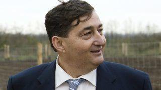 Alcsútdoboz, 2014. november 18. Mészáros Lõrinc (Fidesz-KDNP) felcsúti polgármester a Búzakalász 66 Felcsút Kft. bányavölgyi mangalicatelepének avatásán a Fejér megyei Alcsútdobozon 2014. november 18-án. MTI Fotó: Koszticsák Szilárd