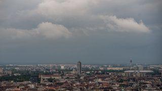 Budapest, 2016. május 24. Viharfelhõk Budapest felett 2016. május 24-én. MTI Fotó: Balogh Zoltán