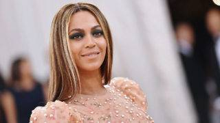 """NEW YORK, NY - MAY 02:  Beyonce attends the """"Manus x Machina: Fashion In An Age Of Technology"""" Costume Institute Gala at Metropolitan Museum of Art on May 2, 2016 in New York City.  (Photo by Mike Coppola/Getty Images for People.com) *** Local Caption *** Beyonce"""