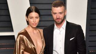 BEVERLY HILLS, CA - FEBRUARY 26:  Actress Jessica Biel (L) and singer-songwriter Justin Timberlake attend the 2017 Vanity Fair Oscar Party hosted by Graydon Carter at Wallis Annenberg Center for the Performing Arts on February 26, 2017 in Beverly Hills, California.  (Photo by C Flanigan/Getty Images)