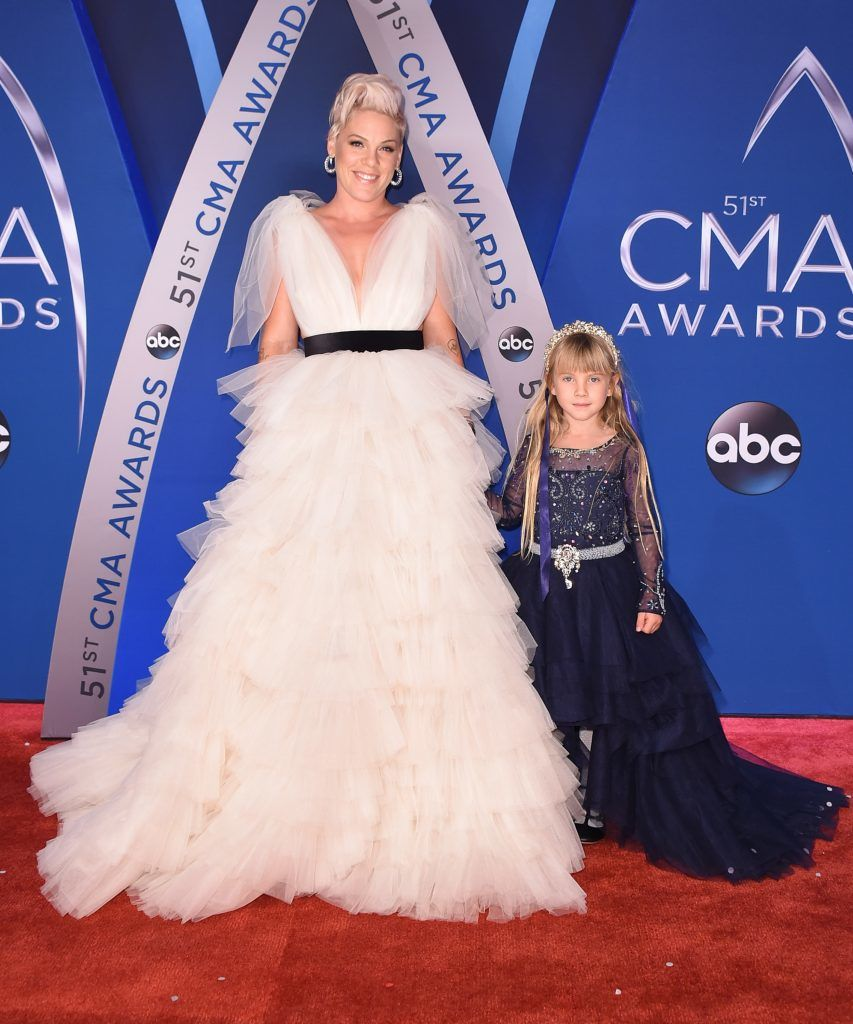 NASHVILLE, TN - NOVEMBER 08:  Willow Sage Hart (R) and singer-songwriter Pink (L) attend the 51st annual CMA Awards at the Bridgestone Arena on November 8, 2017 in Nashville, Tennessee.  (Photo by Michael Loccisano/Getty Images)