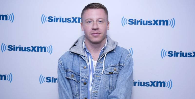 NEW YORK, NY - NOVEMBER 09:  Macklemore visits SiriusXM Studios on November 9, 2017 in New York City.  (Photo by Santiago Felipe/Getty Images)