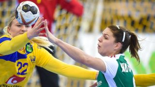 BIETIGHEIM-BISSINGEN, GERMANY - DECEMBER 03: Hanna Blomstrand of Sweden and Aniko Kovacsics of Hungary in action during IHF Women's Handball World Championship group B match between Hungary and Sweden on December 03, 2017 in Bietigheim-Bissingen, Germany. (Photo by Lukasz Laskowski/PressFocus/MB Media/Getty Images)
