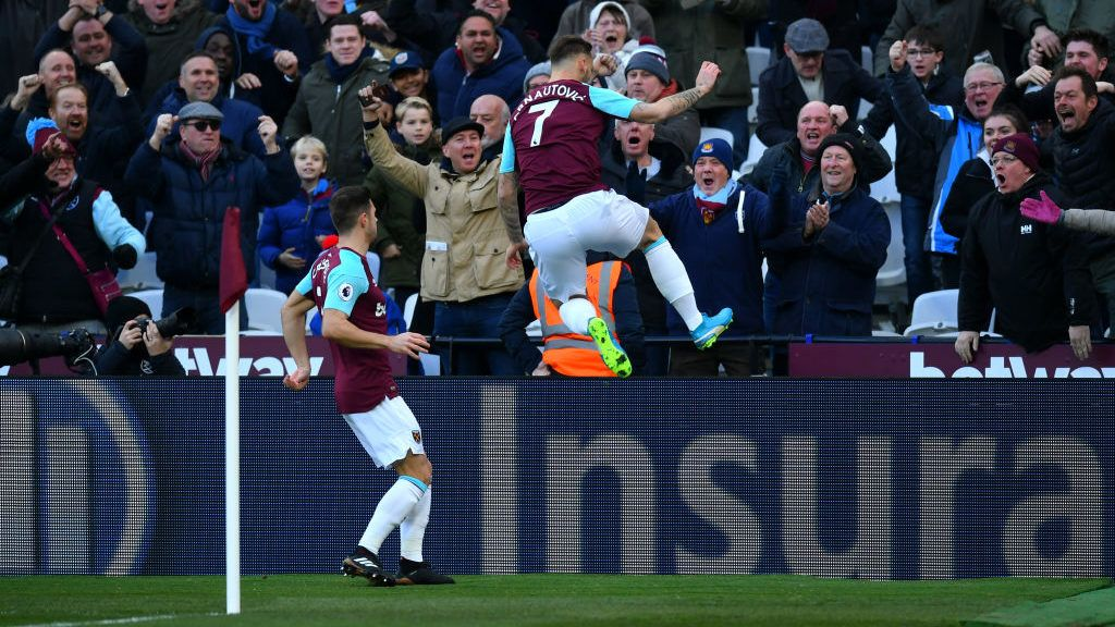 LONDON, ENGLAND - DECEMBER 09:  Marko Arnautovic of West Ham United celebrates after scoring his sides first goal during the Premier League match between West Ham United and Chelsea at London Stadium on December 9, 2017 in London, England.  (Photo by Dan Mullan/Getty Images)