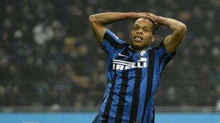 Inter Milan's forward from France Jonathan Biabiany reacts during the Italian Serie A football match Inter Milan vs Genoa on December 5, 2015 at the San Siro Stadium in Milan.  / AFP PHOTO / OLIVIER MORIN