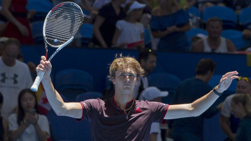 Alexander Zverev of Germany celebrates his victory over Vasek Pospisil of Canada in their seventh session men's singles match on day five of the Hopman Cup tennis tournament in Perth on January 3, 2018. / AFP PHOTO / TONY ASHBY / --IMAGE RESTRICTED TO EDITORIAL USE - STRICTLY NO COMMERCIAL USE--