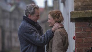 """Daniel Day-Lewis stars as """"Reynolds Woodcock"""" and Vicky Krieps stars as """"Alma"""" in writer/director Paul Thomas Anderson's PHANTOM THREAD, a Focus Features release. Credit : Laurie Sparham / Focus Features"""