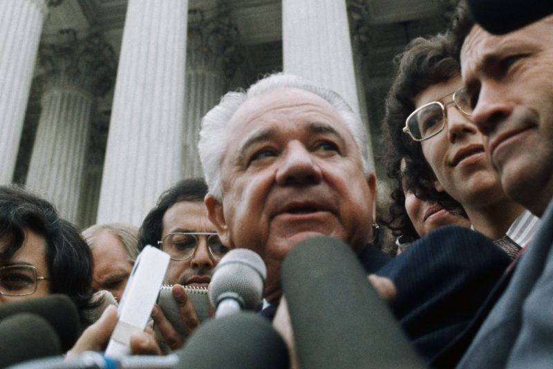 Watergate Special Prosecuter Leon Jaworski surrounded by journalists outside the Supreme Court during the Watergate Hearings. (Photo by © Wally McNamee/CORBIS/Corbis via Getty Images)