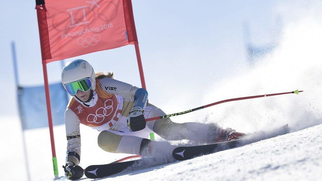 Hungary's Szonja Hozmann competes in the Women's Giant Slalom at the Yongpyong Alpine Centre during the Pyeongchang 2018 Winter Olympic Games in Pyeongchang on February 15, 2018. / AFP PHOTO / JAVIER SORIANO