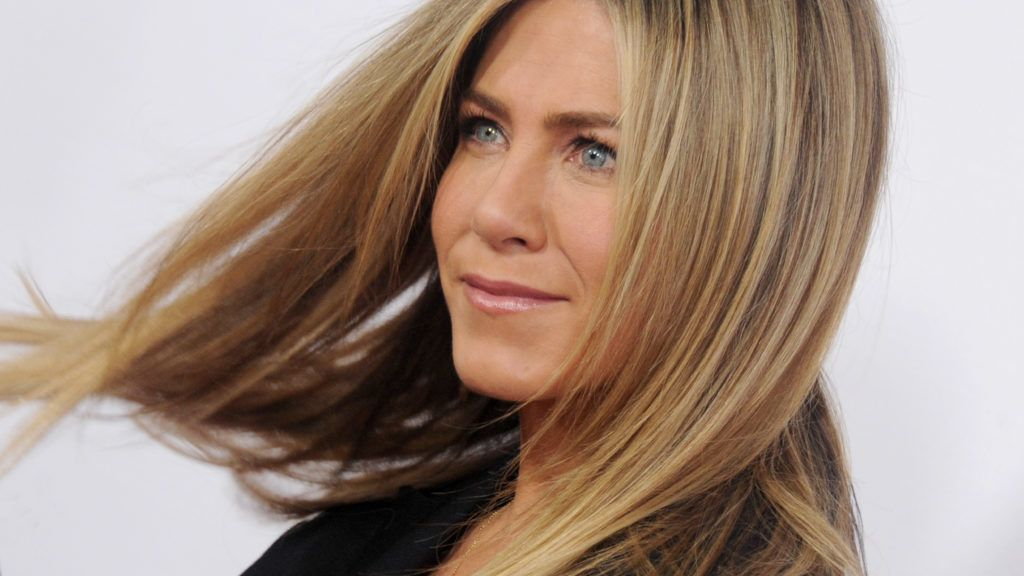 """HOLLYWOOD, CA - APRIL 13:  Actress Jennifer Aniston arrives at the Open Roads World Premiere Of """"Mother's Day"""" at TCL Chinese Theatre IMAX on April 13, 2016 in Hollywood, California.  (Photo by Gregg DeGuire/WireImage)"""