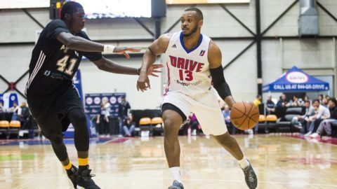 GRAND RAPIDS, MI - NOVEMBER 25: Zeke Upshaw #13 of the Grand Rapids Drive drives to the basket during a game against the Austin Spurs at The DeltaPlex Arena on November 25, 2016 in Walker, Michigan. NOTE TO USER: User expressly acknowledges and agrees that, by downloading and/or using this Photograph, user is consenting to the terms and conditions of the Getty Images License Agreement. Mandatory Copyright Notice: Copyright 2016 NBAE   Allison Farrand/NBAE via Getty Images/AFP