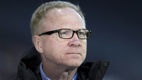 Scotland's manager Alex McLeish checks out the conditions ahead of the International friendly football match between Scotland and Costa Rica at Hampden Park in Glasgow, Scotland on March 23, 2018. / AFP PHOTO / NEIL HANNA
