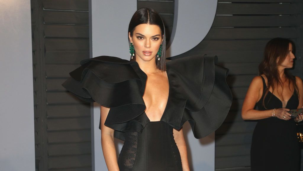 BEVERLY HILLS, CA - MARCH 04: Kendall Jenner attends the 2018 Vanity Fair Oscar Party hosted by Radhika Jones at Wallis Annenberg Center for the Performing Arts on March 4, 2018 in Beverly Hills, California.  (Photo by Frederick M. Brown/FilmMagic)