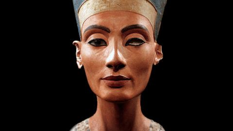 Bust of Nefertiti, Great Royal Wife to the Egyptian Pharaoh Akhenaten. Nefertiti and her husband were known for a religious revolution. They worshipped one god only, Aten, the sun's godNefertiti (1370-1330 BC)