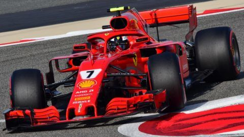 Ferrari's German driver Sebastian Vettel steers his car during the third practice session on April 7, 2018, prior to the qualifiers for the Bahrain Formula One Grand Prix at the Sakhir circuit in Manama. / AFP PHOTO / GIUSEPPE CACACE