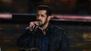 Bollywood actor Salman Khan speaks during IIFA award of the 18th International Indian Film Academy (IIFA) Festival at the MetLife Stadium in East Rutherford, New Jersey, on July 15, 2017.  / AFP PHOTO / JEWEL SAMAD