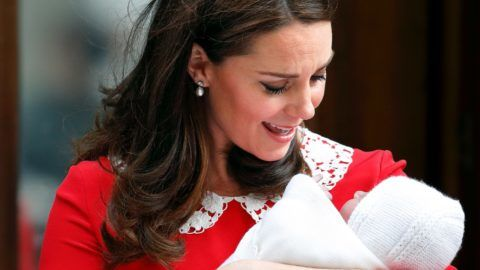 LONDON, UNITED KINGDOM - APRIL 23: (EMBARGOED FOR PUBLICATION IN UK NEWSPAPERS UNTIL 24 HOURS AFTER CREATE DATE AND TIME) Catherine, Duchess of Cambridge departs the Lindo Wing of St Mary's Hospital with her newborn baby son on April 23, 2018 in London, England. The Duchess delivered a boy at 11:01 am, weighing 8lbs 7oz, who will be fifth in line to the throne. (Photo by Max Mumby/Indigo/Getty Images)