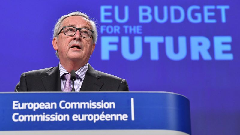 European Commission President Jean-Claude Juncker addresses a press conference to present the EU's next long-term budget, at the European Commission in Brussels, on May 2, 2018. / AFP PHOTO / Emmanuel DUNAND