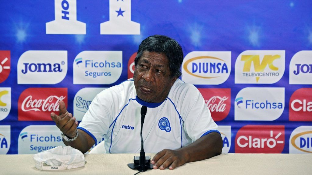 "Salvadorean national football team coach Ramon ""Primitivo"" Maradiaga delivers a press conference at the Olimpico Metropolitano stadium in San Pedro Sula, 240 km north of Tegucigalpa, on March 28, 2016. El Salvador will face Honduras in a FIFA World Cup Russia 2018 qualifier match Tuesday.   AFP   PHOTO/Orlando SIERRA. / AFP PHOTO / ORLANDO SIERRA"