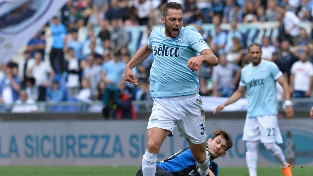 Stefan de Vrij, Remo Freuler during the Italian Serie A football match between S.S. Lazio and Atalanta at the Olympic Stadium in Rome, on may 06, 2018. (Photo by Silvia Lore/NurPhoto)