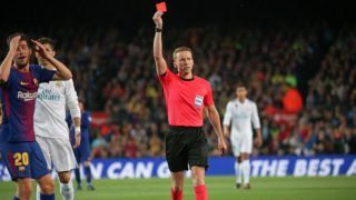 referee Hernandez Hernandez shows a red card to Sergi Roberto during the match between FC Barcelona and Real Madrid CF, played at the Camp Nou Stadium on 06th May 2018 in Barcelona, Spain.  Photo: Joan Valls/Urbanandsport /NurPhoto  -- (Photo by Urbanandsport/NurPhoto)