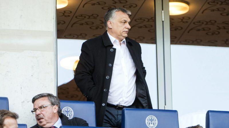 Felcsút, 2017. április 8. Orbán Viktor miniszterelnök  a labdarúgó OTP Bank Liga 25. fordulójában játszott Videoton FC - Vasas mérkõzésen a felcsúti Pancho Arénában 2017. április 8-án. MTI Fotó: Marjai János