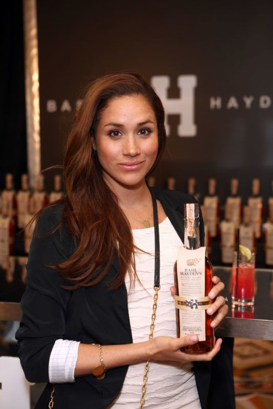 BEVERLY HILLS, CA - JANUARY 14:  Actress Meghan Markle attends the HBO Luxury Lounge Featuring L'Oreal Paris And New Era Cap - Day 1 at Four Seasons Hotel Los Angeles on January 14, 2012 in Beverly Hills, California.  (Photo by Chelsea Lauren/WireImage)