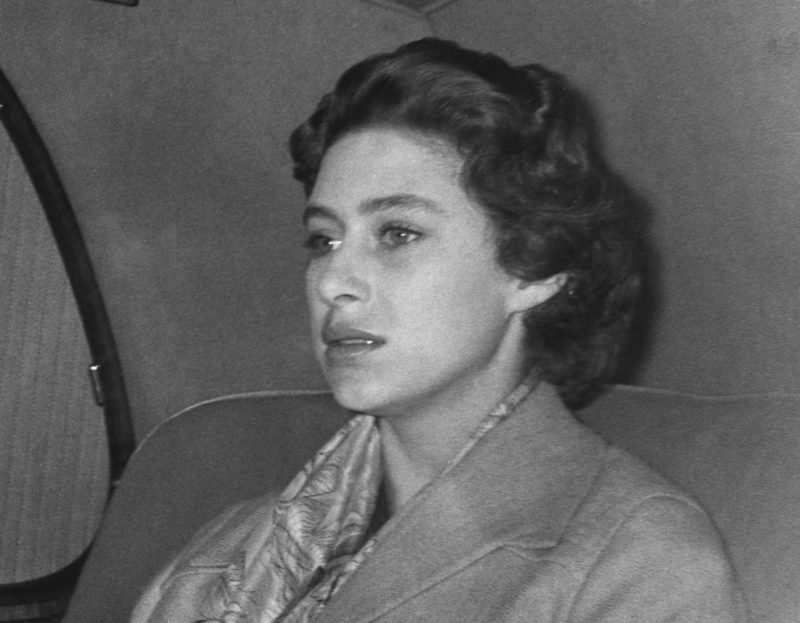 Princess Margaret returns to London after spending a weekend in the country. She announced shortly afterwards that she would not be marrying the divorcee Captain Peter Townsend. (Photo by © Hulton-Deutsch Collection/CORBIS/Corbis via Getty Images)