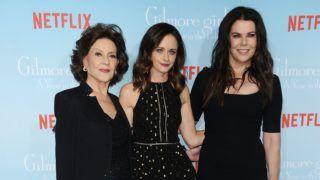 """LOS ANGELES, CA - NOVEMBER 18:  (L-R) Actresses Kelly Bishop, Alexis Bledel and Lauren Graham attend the premiere of """"Gilmore Girls: A Year in the Life"""" at Regency Bruin Theatre on November 18, 2016 in Los Angeles, California.  (Photo by Jason LaVeris/FilmMagic)"""