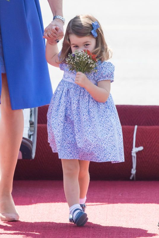 BERLIN, GERMANY - JULY 19:  Princess Charlotte of Cambridge arrives at Berlin military airport during an official visit to Poland and Germany on July 19, 2017 in Berlin, Germany.  (Photo by Samir Hussein/WireImage)